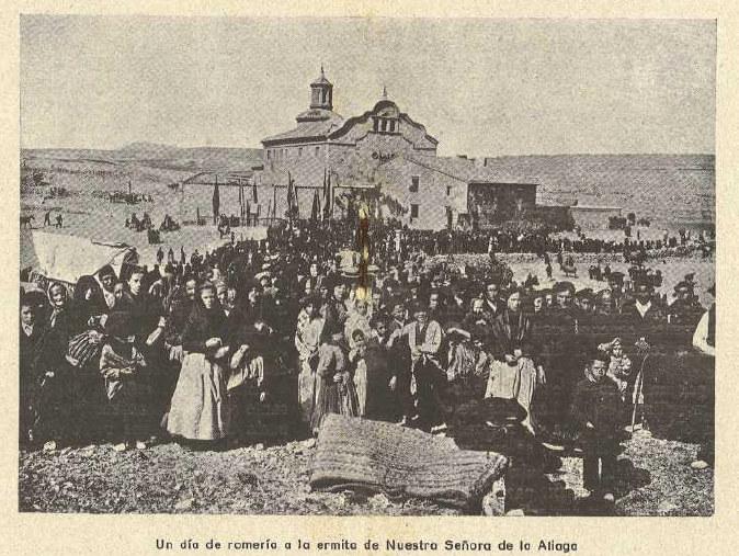 Procesión en el Santuario de Cortes, previa a la guerra civil.
